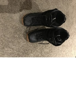 Men's size 7 snowboarding boots